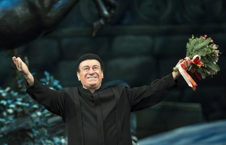 Звезда оперной сцены Зураб Соткилава награжден в Грузии Орденом чести
