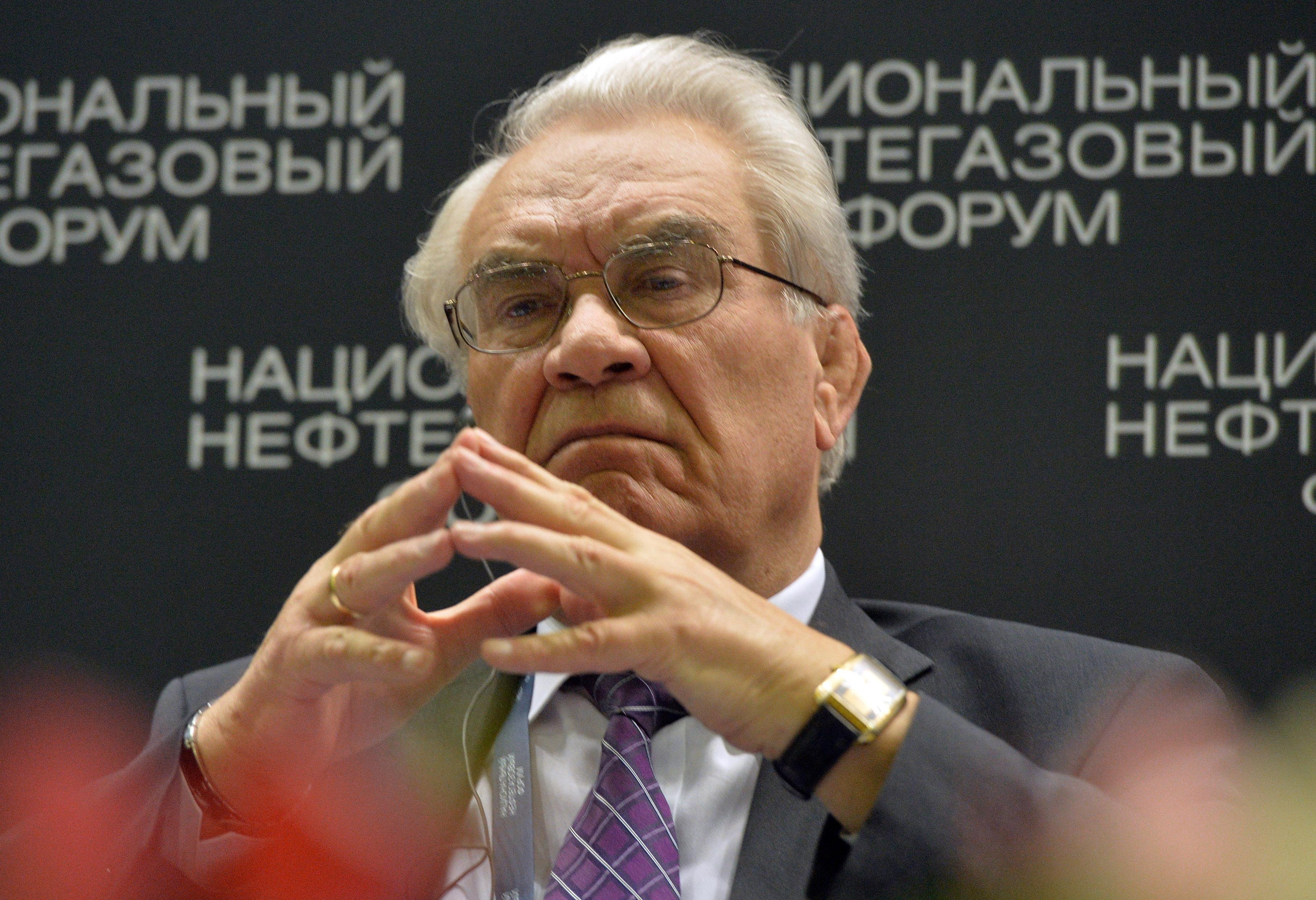 Геннадий Шмаль прокомментировал возможность эмбарго на ввоз в РФ дешевого бензина