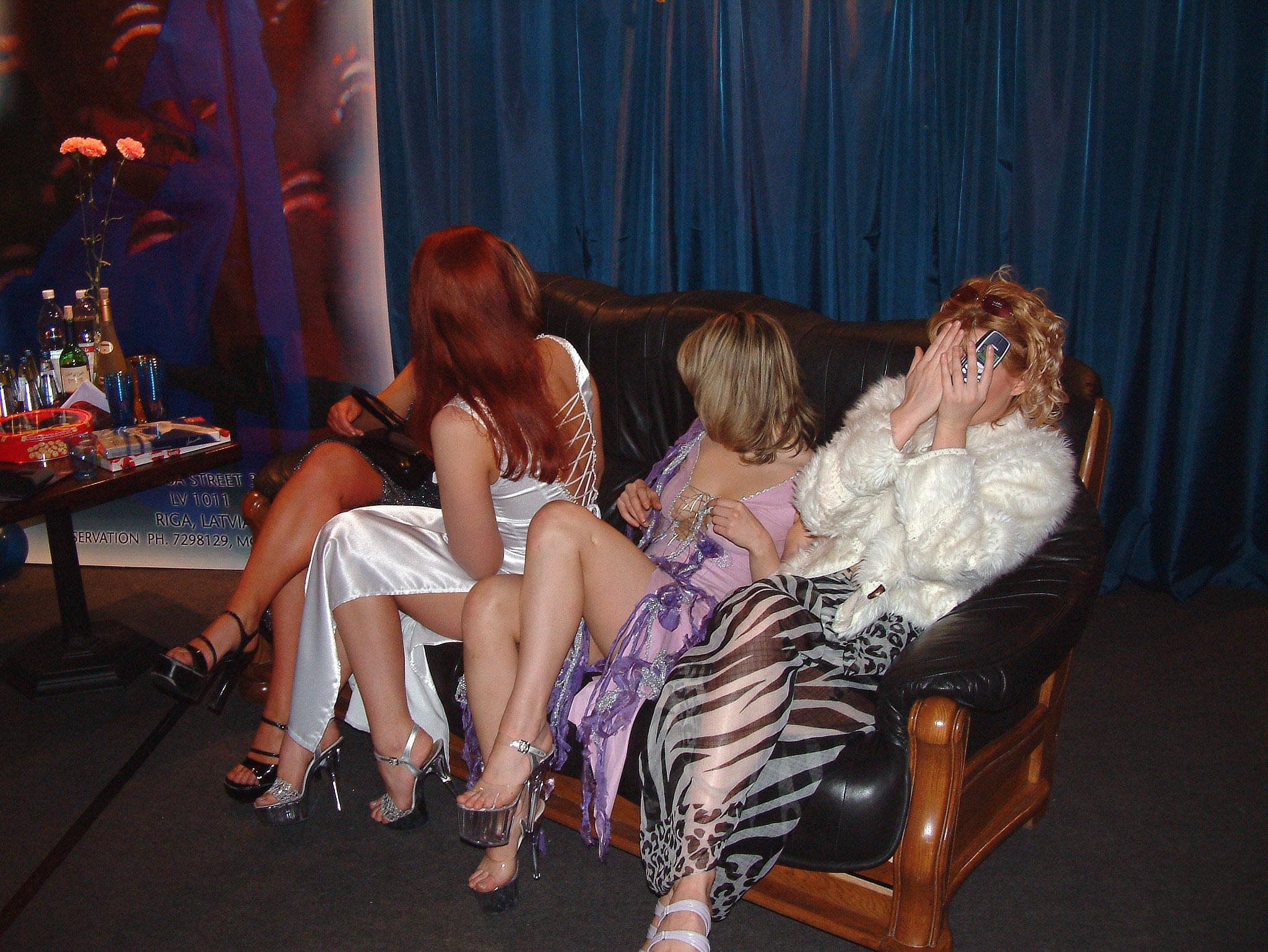 Как заставить проститутку, порно фото на берегу шавата