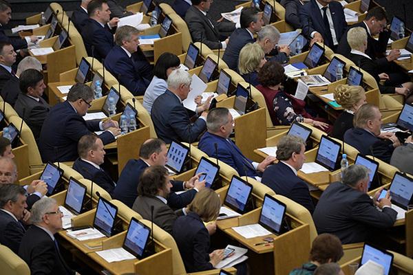 Госдума поддержала новое регулирование встреч депутатов с избирателями