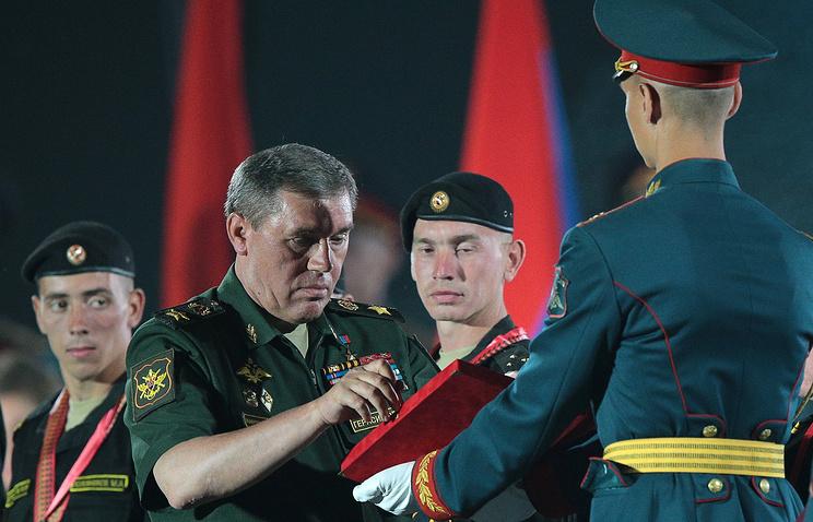 Лучший танковый экипаж Армейских игр получил автомобили УАЗ Patriot