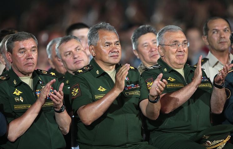 Шойгу вручил команде России Кубок Армейских международных игр