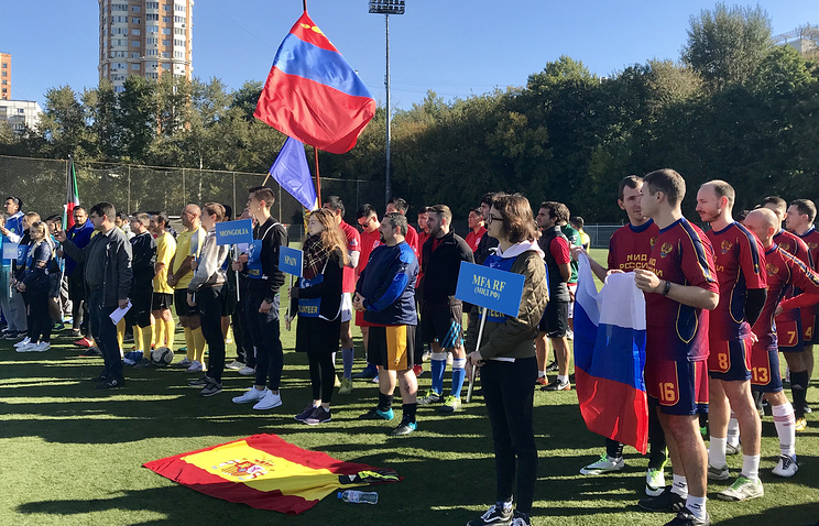 Чемпионат мира по футболу среди посольств открыт в Москве