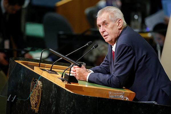Чехия назвала нападки Киева на Земана «криком из пещеры неандертальцев»