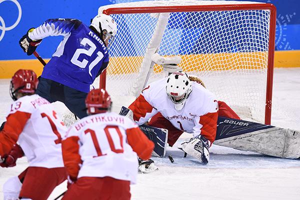 Российские хоккеистки пропустили пять шайб от американок на Олимпиаде