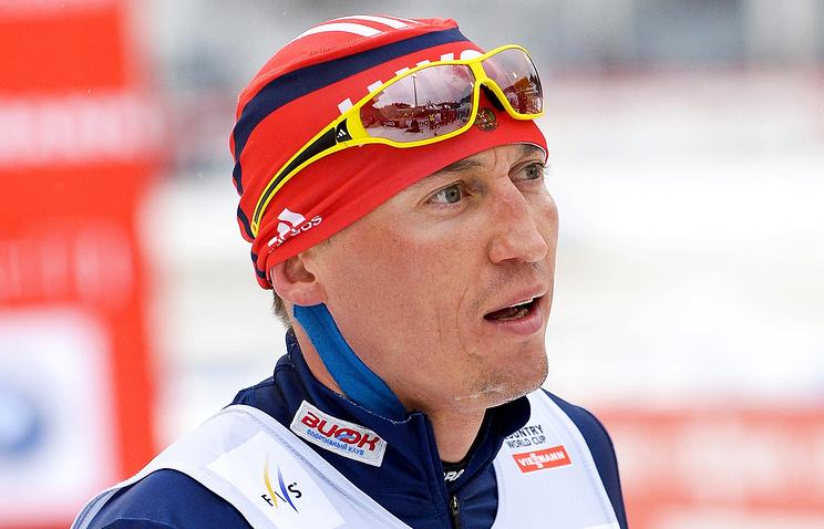 Легков первым поздравил тренера Крамера с медалями российских лыжников на ОИ