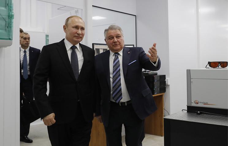 Путин ознакомился в Курчатовском институте с новейшими разработками ученых