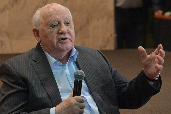 Горбачев упрекнул Путина и Трампа в неумении договариваться