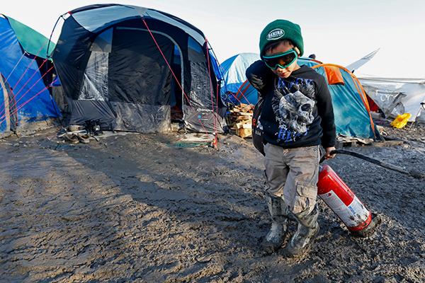 Французы нашли способ перекрыть поток детей-мигрантов