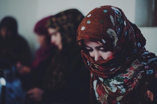 Китайская паранджа спасла бедных афганских женщин