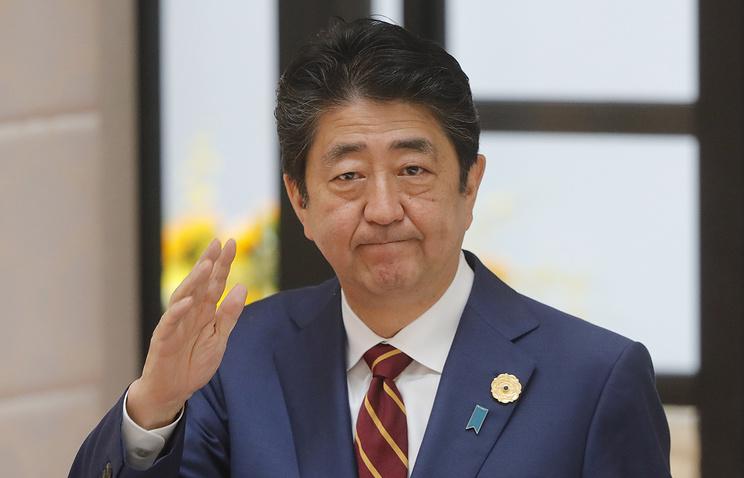 Абэ назвал большим достижением освобождение КНДР граждан США
