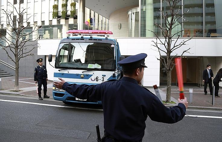 СМИ: в Японии госпитализировали около 20 человек после ДТП с школьным автобусом