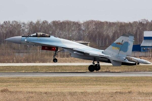 Китайский Су-35 прилетел в Россию