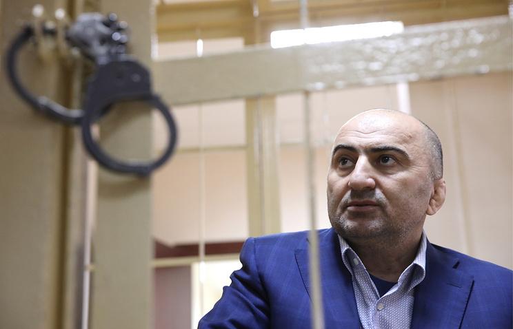 Суд арестовал обвиняемого в даче $2 млн взятки полковника МВД Дагестана Хизриева