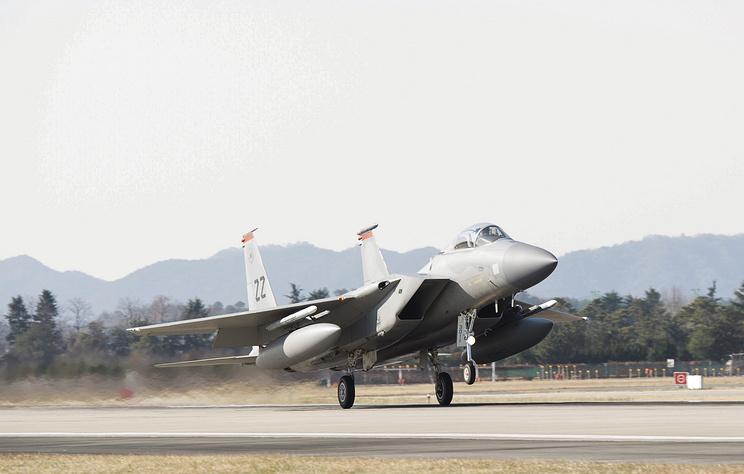 СМИ: истребитель ВВС США разбился на Окинаве