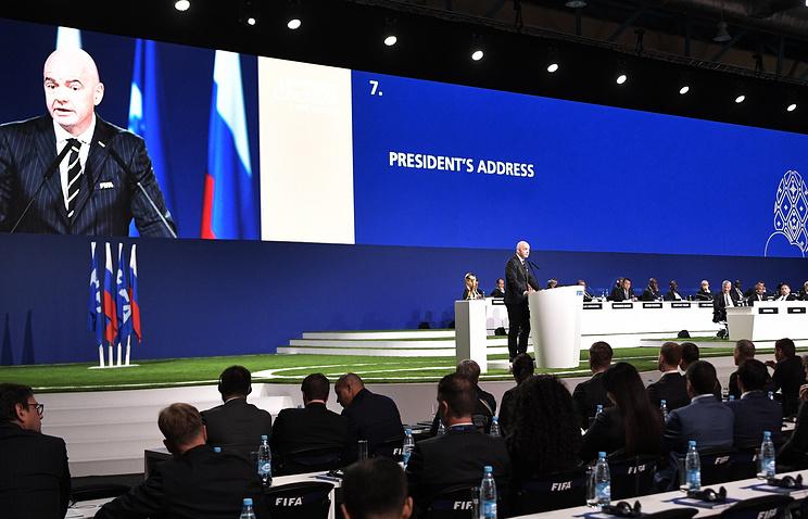Конгресс ФИФА в Москве впервые в истории отдал право проведения ЧМ сразу трем странам