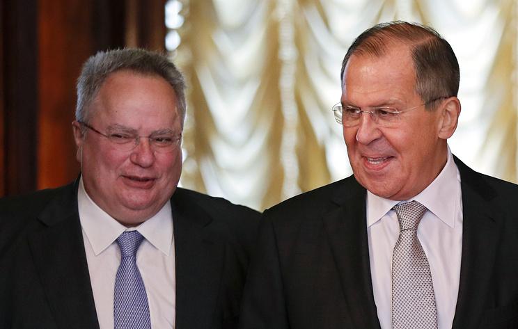 Главы МИД России и Греции обсудили отношения Москвы с НАТО и ЕС