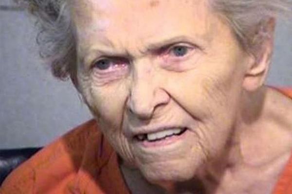 Американец предложил маме переехать в дом престарелых и получил от нее пулю