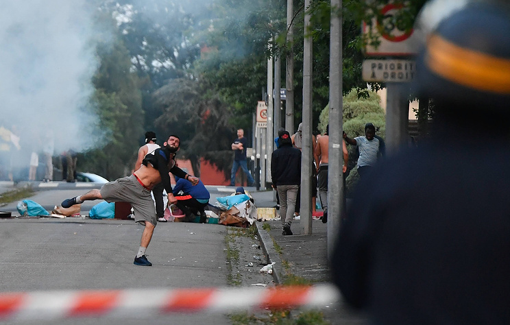 СМИ: в Нанте полиция задержала 11 человек после новой волны беспорядков