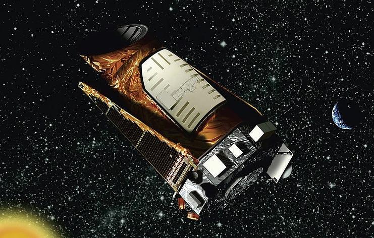 Телескоп Kepler прервал наблюдательную миссию, чтобы передать собранные данные на Землю