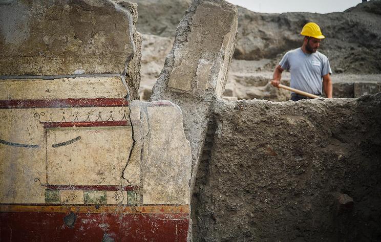 СМИ: археологи обнаружили новые исторические артефакты в Помпеях