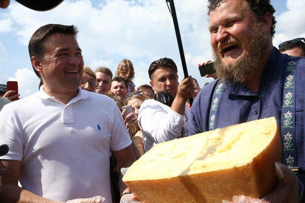Глава Подмосковья дал старт строительству новой сыроварни