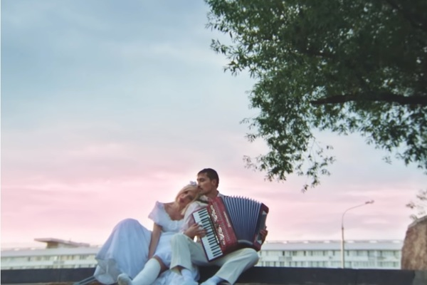 Билан посмеялся над российскими свадьбами и собрал 2 миллиона просмотров
