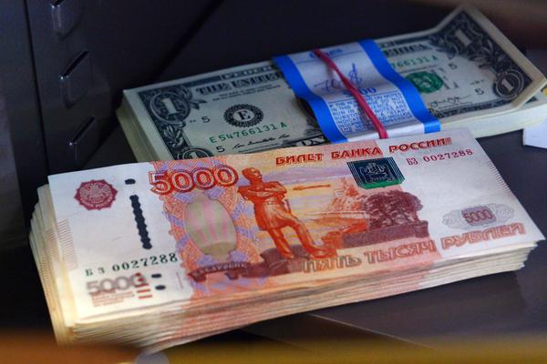 Россияне нарастили сбережения