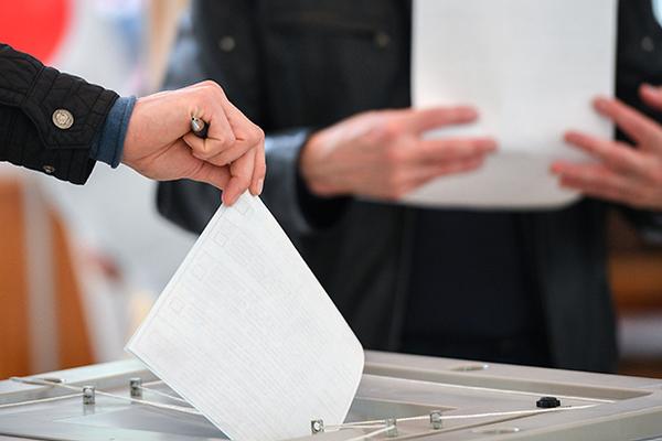 Жителям Смоленска пригрозили штрафом за неявку на выборы