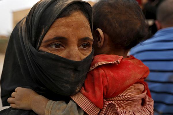 Полиция начала розыск сбежавшей в Сирию москвички и ее ребенка