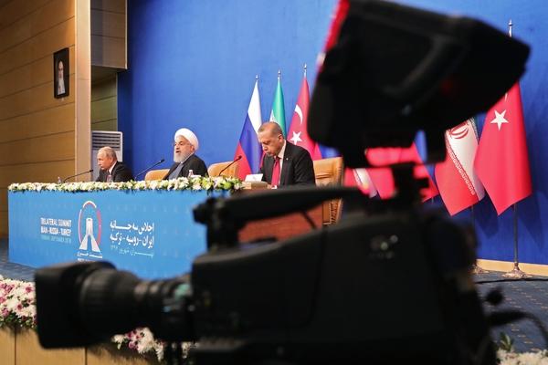 Стало известно о казусе на переговорах Путина в Иране