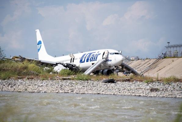 Раскрыта причина аварийной посадки Boeing 737 в Сочи
