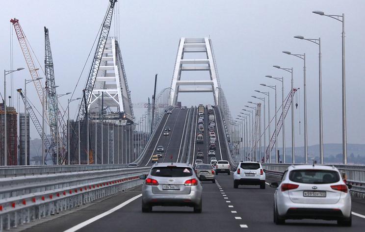 Возобновлено движение на Крымском мосту