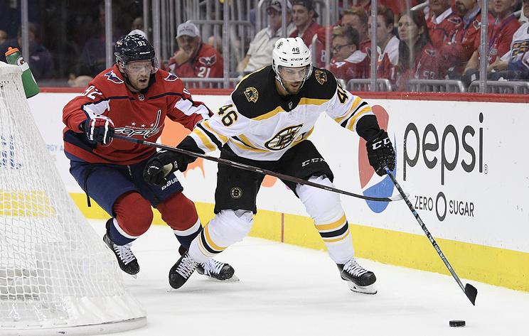 'Вашингтон' разгромил 'Бостон' в матче НХЛ, на счету Кузнецова две шайбы