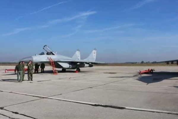 МиГ-29 в Сербии показали высший пилотаж