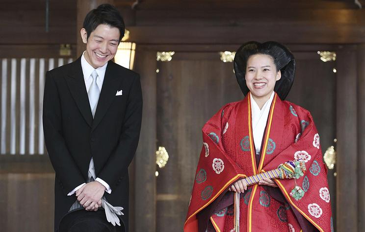 Японская принцесса Аяко отказалась от титула и вышла замуж за служащего Nippon Yusen