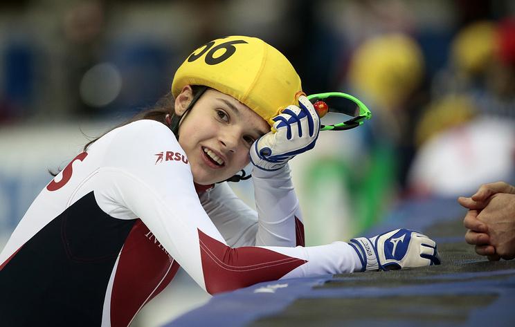 Россиянка Просвирнова завоевала серебро на дистанции 1000 м на этапе КМ по шорт-треку