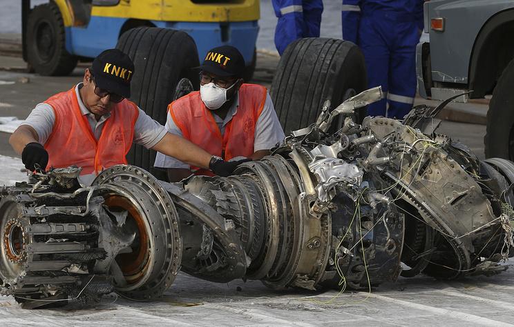 Индонезийский Boeing мог разрушиться от удара о воду на высокой скорости