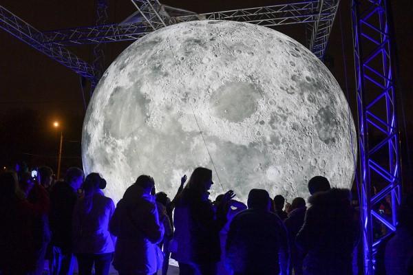 Стали известны сроки появления российской базы на Луне