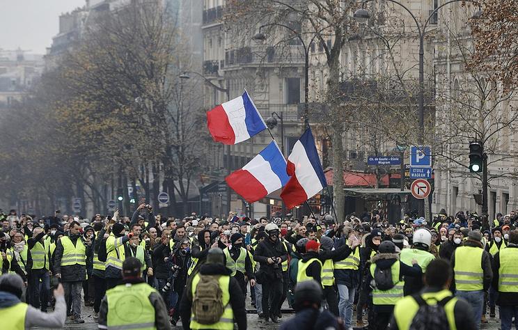 Париж 8 декабря станет закрытым городом