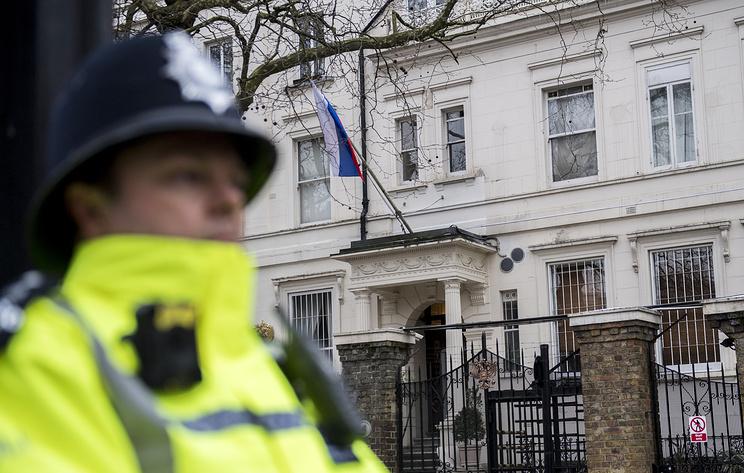 Посольство РФ назвало цинизмом заявления Лондона об ответственности Москвы за судьбу Сирии