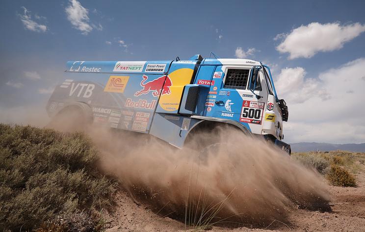 Экипаж Николаева победил на первом этапе этапе ралли 'Дакар' в зачете грузовиков