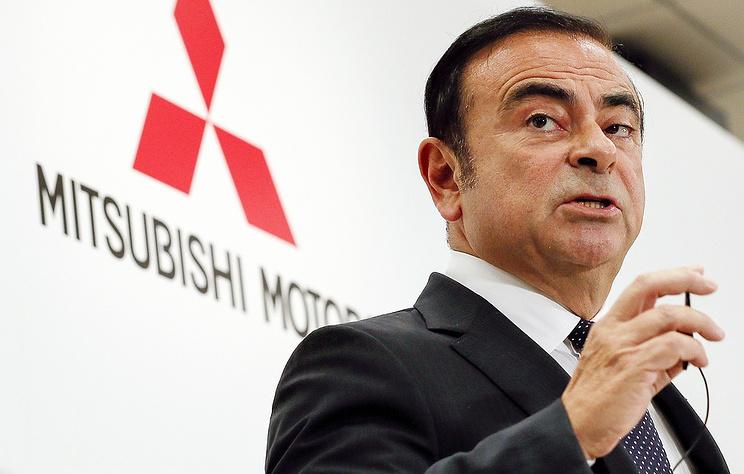 Экс-глава Renault - Nissan впервые прибыл в суд, чтобы заслушать причины ареста