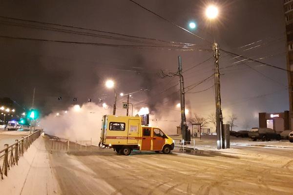 Лопнувшая в Петербурге «труба Беглова» оставила без тепла почти полсотни домов