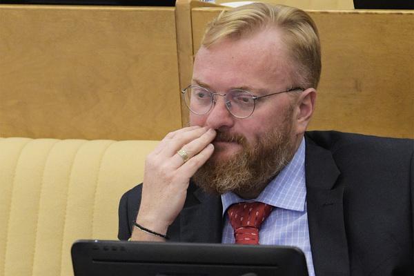 Шнуров высмеял в стихах «парламентария от рая» Милонова