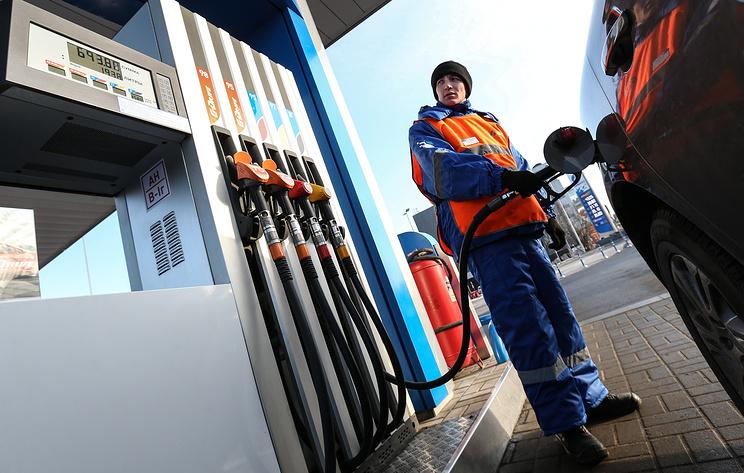 Цены на бензин в России с 1 по 9 января выросли на 0,3%