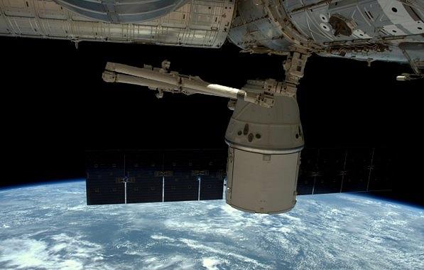 Корабль Dragon впервые вернется с МКС на Землю ночью