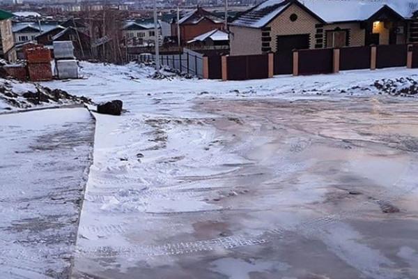 Власти отчитались о горке из заледеневших нечистот в Амурской области