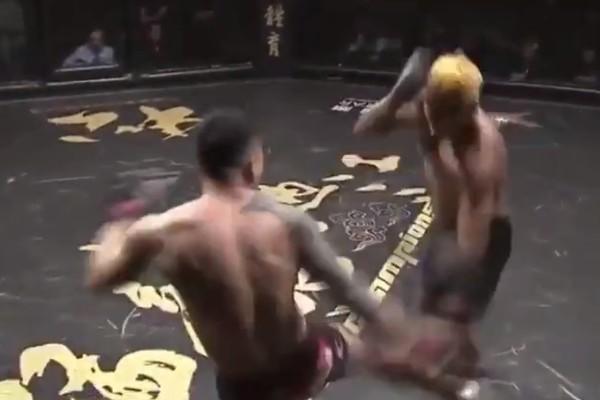 Боец MMA нокаутировал соперника ударом ногой по ноге