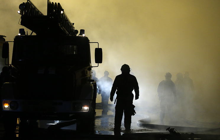 На Украине произошел пожар на нефтеперерабатывающем заводе 'Карпатнефтехим'